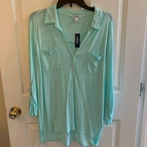 Old Navy shirt Size L. NWT